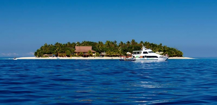 Beachcomber Island Resort Fiji Escapes Backpackers World